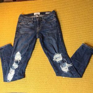 Frame Denim Distressed Le Skinny de Jeanne size 25